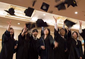 諦めないで、大学への進学。<進化した大学コースのご案内>